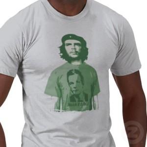 Che Guevara indossa Assange. Paradosso storico?